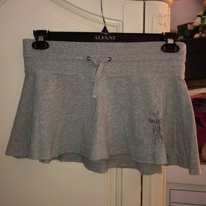 This is a gently worn Abercrombie skater skirt